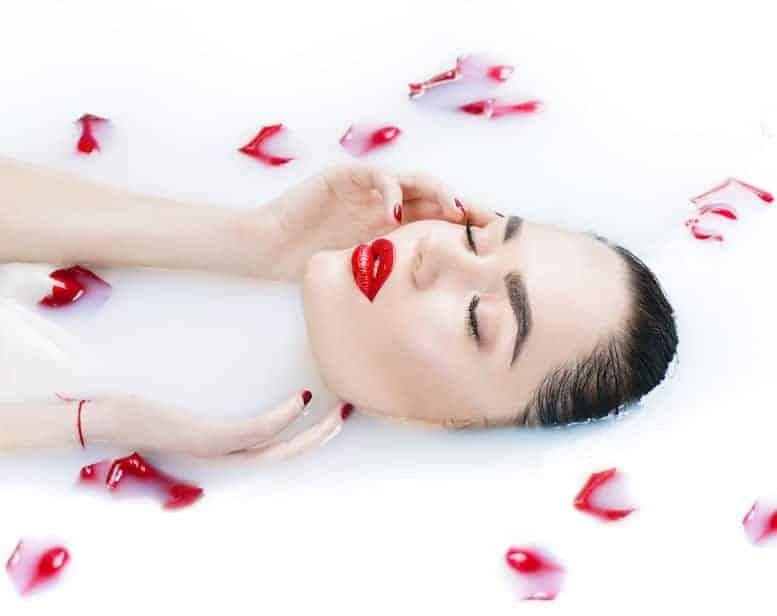 การอาบน้ำให้ผิวสวย